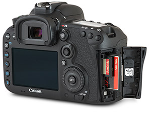 Canon 7D Mark II SD and CF card slots