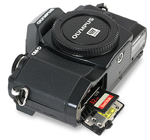 Olympus E-M10 SD Card Slot Open