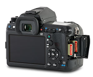 Pentax K-3 II Dual SD card slots with door open