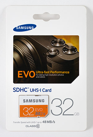 Samsung EVO 32GB SDHC Memory Card Package Front