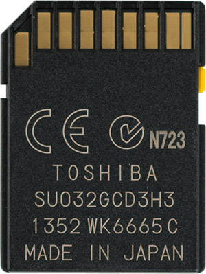 Toshiba EXCERIA Type 2 32GB SDHC Memory Card Back